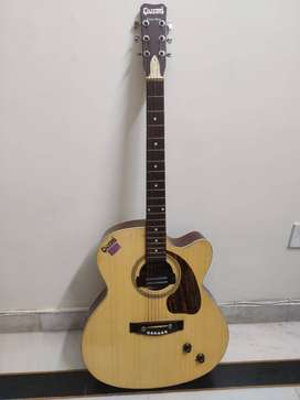 *BRAND NEW* Givson 6 String Golden Coloured Guitar With Extra Strings