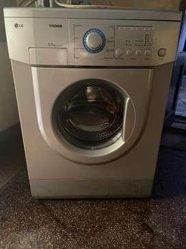 LG Full Automatic Washing Machine - Working