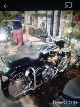 Very well condition  old bullet 350 for sell