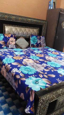 Dressing and kingsize bed with matress