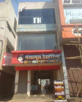 Shop available in prime location