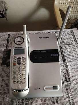 પેનાસોનિક કોડલ્સ ફોન દેવા ના છે 2 સેટ – ચાલુ કડીસન ભાવ – 1000 જામનગર