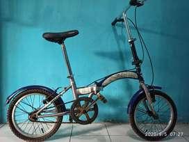 Sepeda lipat united stylo
