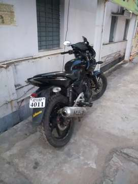 Good condition pulsure 220 bike urgent selling...