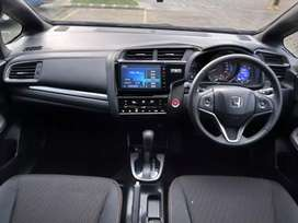Honda Jazz RS CVT Facelift - Model 2018 / Nik 2017 - Istimewah