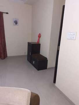 2bhk big flat for sale in vimannagar( 1.05cr)