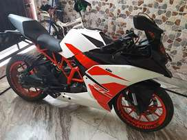 Ktm rc 200 excellent condition augst 2018 issued only 5251km uses