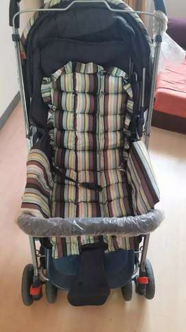 New condition Beby Stroller (no online payment)