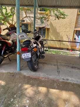 Bajaj Avenger 220cc Cruiser Bike