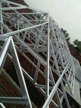 Kontruksi rangka atap baja ringan