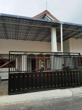 Disewakan Rumah Karanglo Indah mewah harga sederhana