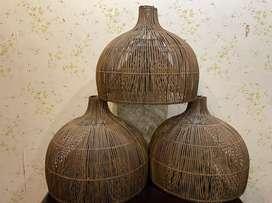 Lampu kayu model bambu