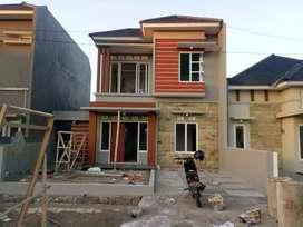 Rumah 2 lantai minimalis di cluster san cefila jember