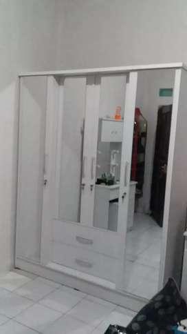 Lemari putih cantik modern minimalis pintu 4 laci