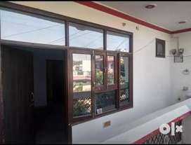 Well maintained 2 room set