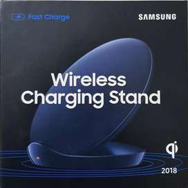 Samsung Fast wireless Charging stand with cable and adopter.