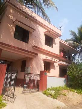 Kankanady2bhk ground flor house12000/rent family/bachelor only parking