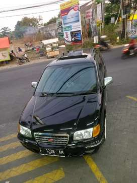 Hyundai Trajet V6 2.7 SE Istimewa