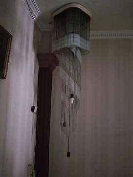 Lampu kristal bohemia asli dan lemari pajangan asli jati thn 80an
