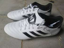 football branded shoes addidas cupa 18.4 brand new size 7 stud