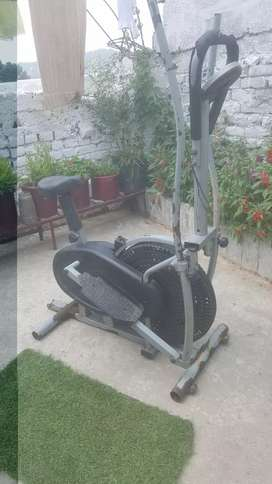 Elliptical trainer  7/10 condition