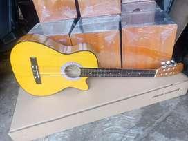 Gitar akustik clasik nilon baru