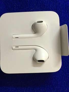 APPLE ORIGINAL EARPHONES WIRED WITH MIC <UK>