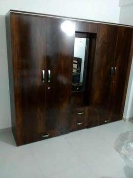 5 door Wodrobe with dressing table