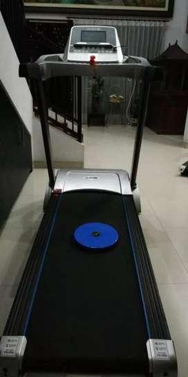 Treadmill elektrik 3#hp u gym 130kg