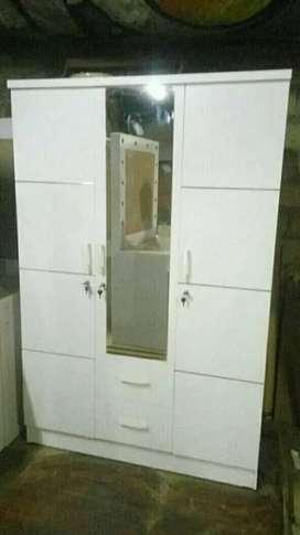 Order lemari modern putih pintu 3 laci