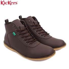 Sepatu Semi Boots Kickers Cokelat