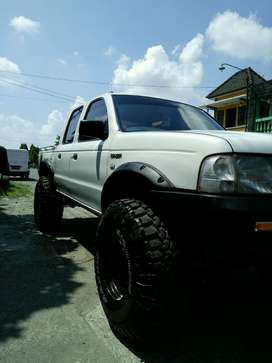 ford ranger 2.9L BIG FOOT 2006