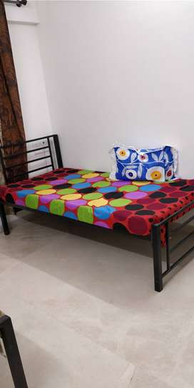 No Brokerage Boys P g Available Andheri west Fully Furnished Flat