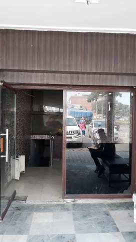 Bay Shop is For rent in sector 16 panchkula