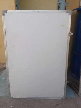 Non magnetic 2x3 (2white notice Board)