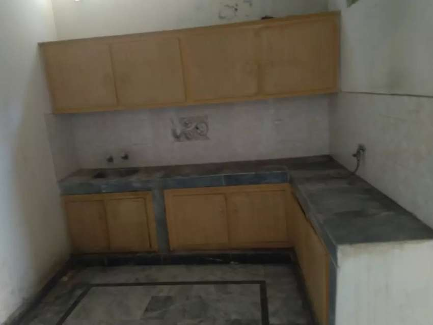 4 bed+ bath, Flat for rent Gulbahar no 4 Javed town 0