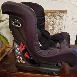 Chicco Car seat(only offline-NO online +UPI trick will be entertained)