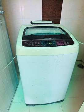 Samsung fully automatic washing machine.