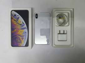 Apple iPhone Xs Max 64GB Excellent Condition With Box Available
