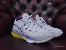 Nike Lebron 17 Low Lakers Home Edition