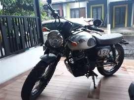 Kawasaki w 175 cc tahun 2018 bulan 8