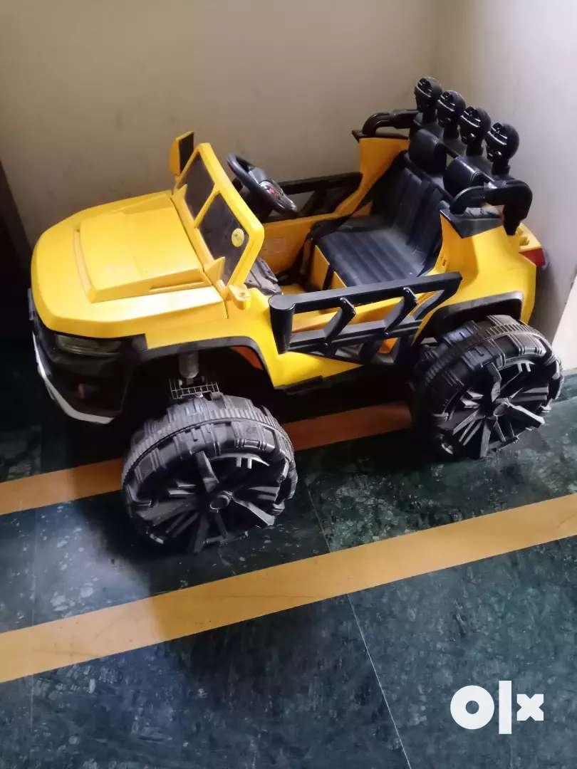 Selling kids car 0