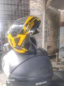 2 helm MDS Secon Masih Di Pakai