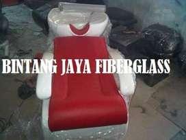 kursi keramas putih rangka jok merah