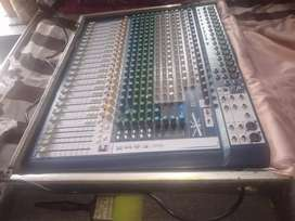 Soundcraft 22 , mixer