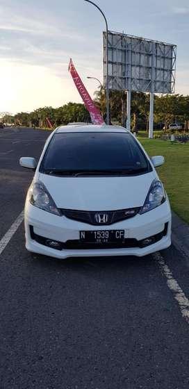Honda Jazz RS Tahun 2013 A/T warna putih plat N (Malang)