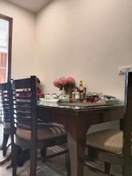 Dining table with 5 chair set