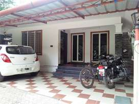 2 BHK 950 Sqft Old House in 4 Cents for sale at Chalikkavattom