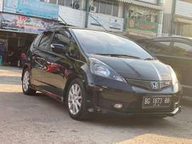 Jazz RS 2014 / 2015 mt manual mulus terawat sekelas yaris