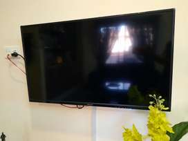 Orient 40'' inch LED TV